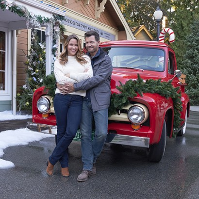 JILL WAGNER AND MARK DEKLIN STAR IN 'CHRISTMAS IN EVERGREEN: LETTERS TO SANTA'