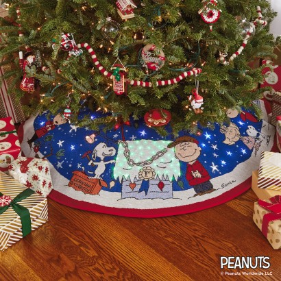 Peanuts Tree Skirt